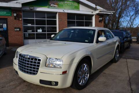 2009 Chrysler 300 for sale at RODRIGUEZ MOTORS LLC in Fredericksburg VA