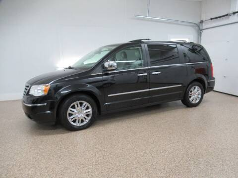 2009 Chrysler Town and Country for sale at HTS Auto Sales in Hudsonville MI