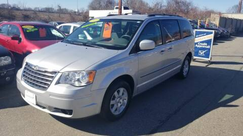 2010 Chrysler Town and Country for sale at Howe's Auto Sales in Lowell MA