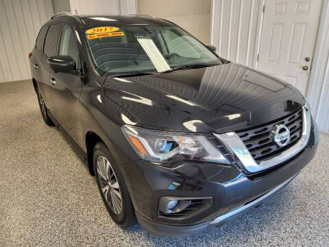 2017 Nissan Pathfinder for sale at LaFleur Auto Sales in North Sioux City SD