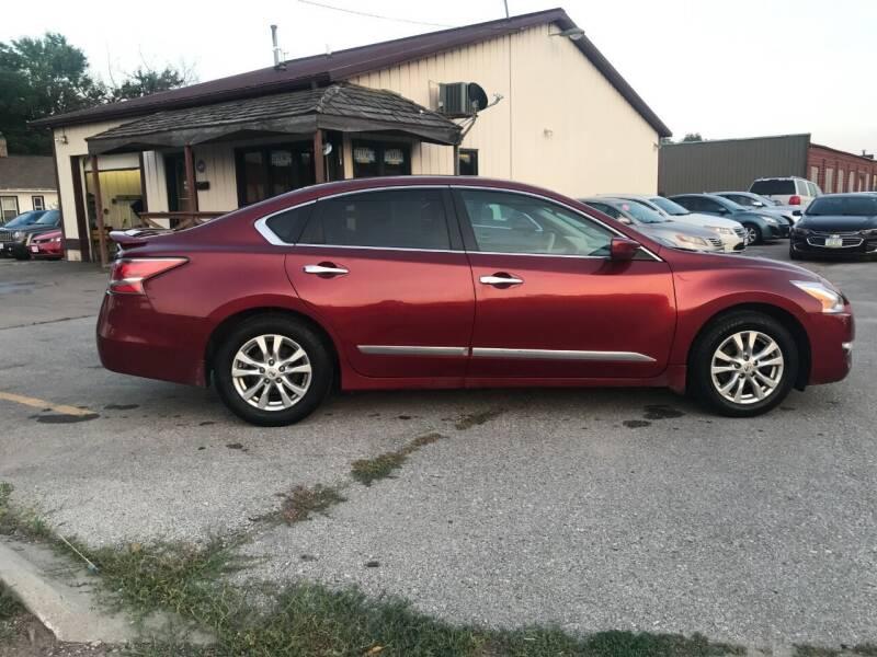 2015 Nissan Altima for sale at El Rancho Auto Sales in Des Moines IA