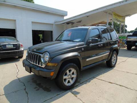 2005 Jeep Liberty for sale at C&C AUTO SALES INC in Charles City IA