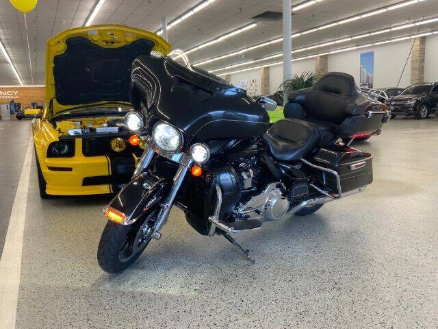 2017 Harley-Davidson FLHTK for sale at Dixie Motors in Fairfield OH