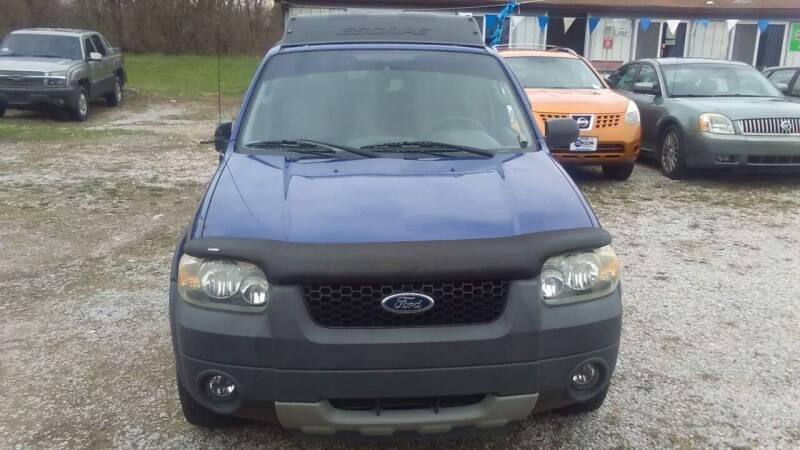 2005 Ford Escape for sale at New Start Motors LLC - Rockville in Rockville IN