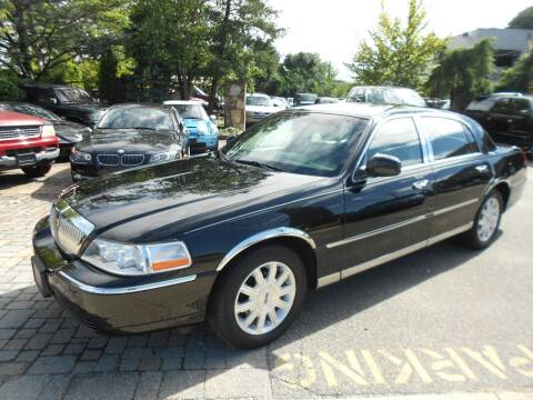 2009 Lincoln Town Car for sale at Precision Auto Sales of New York in Farmingdale NY