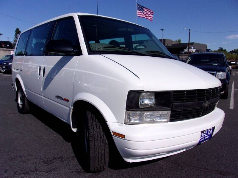 2000 Chevrolet Astro for sale at Delta Auto Sales in Milwaukie OR