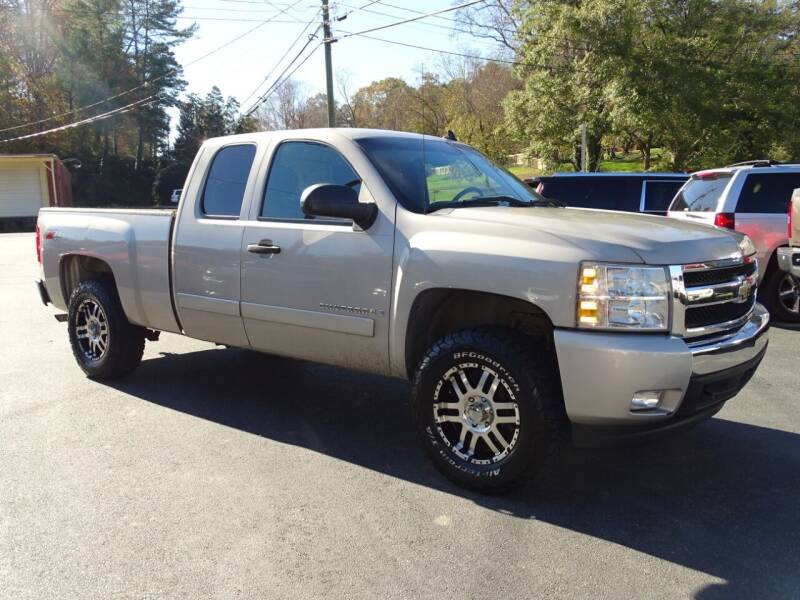 2007 Chevrolet Silverado 1500 for sale at Luxury Auto Innovations in Flowery Branch GA