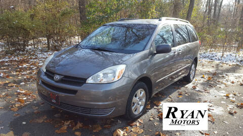 2004 Toyota Sienna for sale at Ryan Motors LLC in Warsaw IN