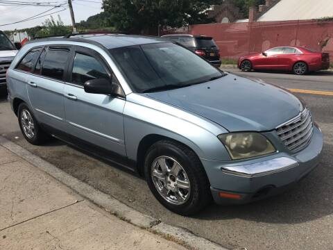 2004 Chrysler Pacifica for sale at Deleon Mich Auto Sales in Yonkers NY
