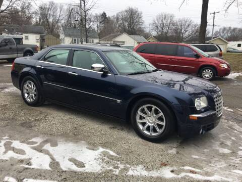 2005 Chrysler 300 for sale at Antique Motors in Plymouth IN