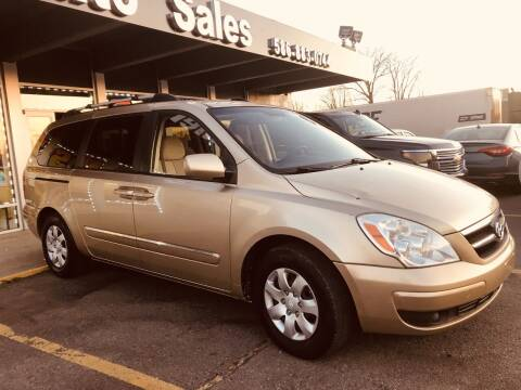 2008 Hyundai Entourage for sale at Daniel Auto Sales inc in Clinton Township MI