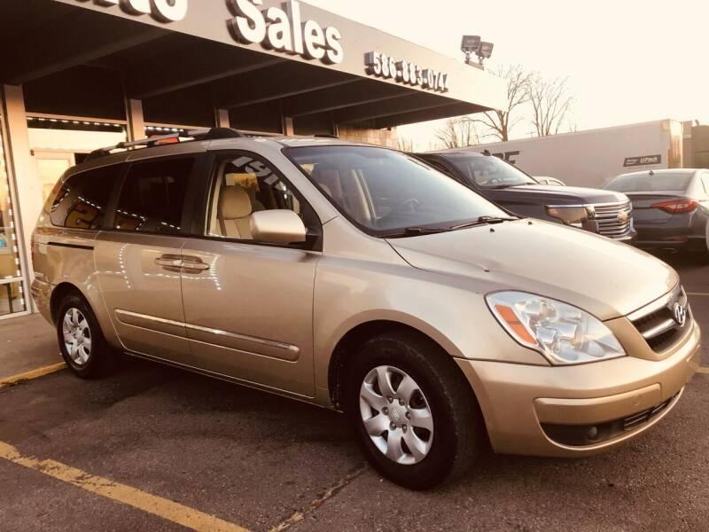 2008 Hyundai Entourage for sale at Daniel Auto Sales inc in Clinton Township MI