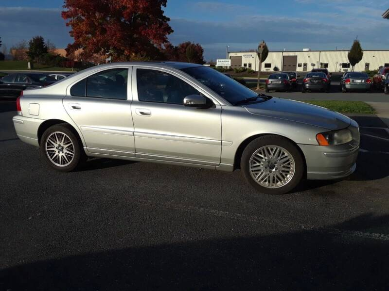 2007 Volvo S60 for sale at University Auto in Frederick MD