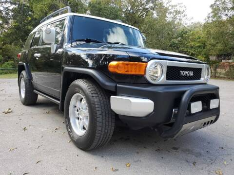 2007 Toyota FJ Cruiser for sale at Thornhill Motor Company in Lake Worth TX