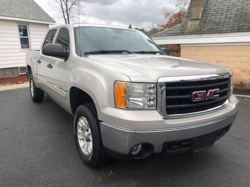 2007 GMC Sierra 1500 for sale at Dracut's Car Connection in Methuen MA