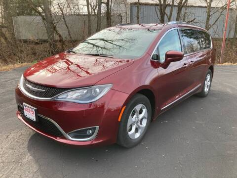 2017 Chrysler Pacifica for sale at Louisburg Garage, Inc. in Cuba City WI