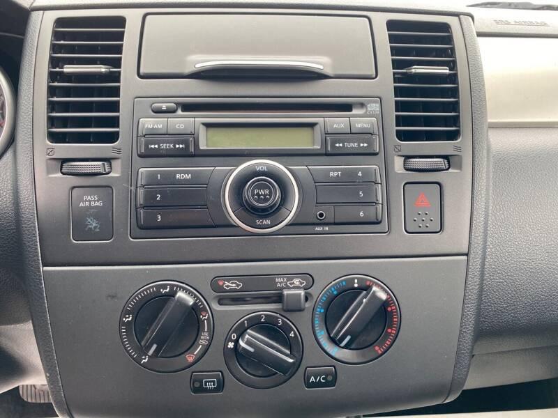 2011 Nissan Versa 1.8 S 4dr Hatchback 4A - Rochelle IL