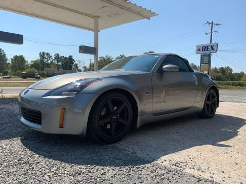 2004 Nissan 350Z for sale at Charlie's Used Cars in Thomasville NC
