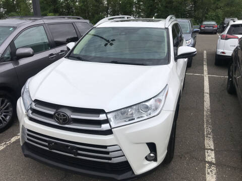 2018 Toyota Highlander for sale at Deals on Wheels in Nanuet NY