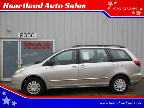 2005 Toyota Sienna for sale at Heartland Auto Sales in Medina OH