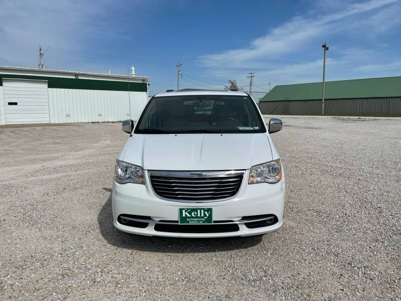 2014 Chrysler Town and Country for sale at Kelly Automotive Inc in Moberly MO
