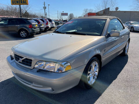 2004 Volvo C70 for sale at Diana Rico LLC in Dalton GA