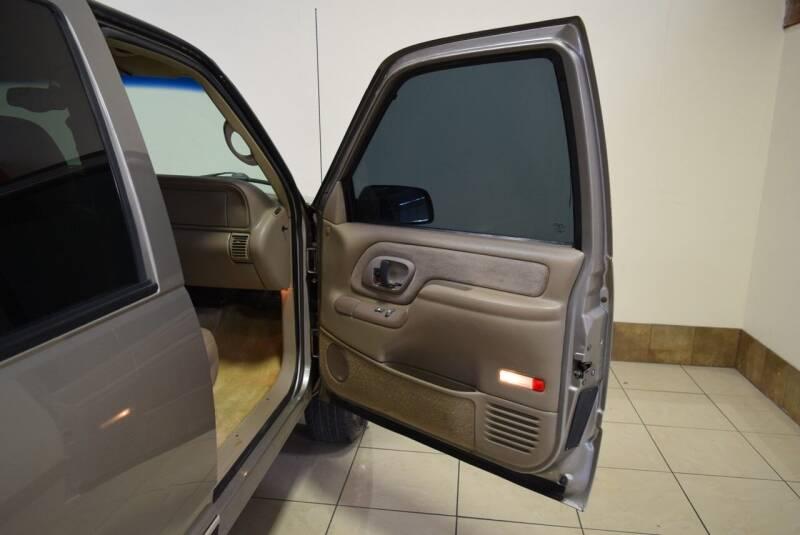1999 Chevrolet Suburban 4dr K2500 LT 4WD SUV - Houston TX