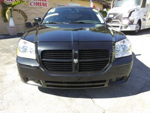 2006 Dodge Magnum for sale at VALDO AUTO SALES in Miami FL