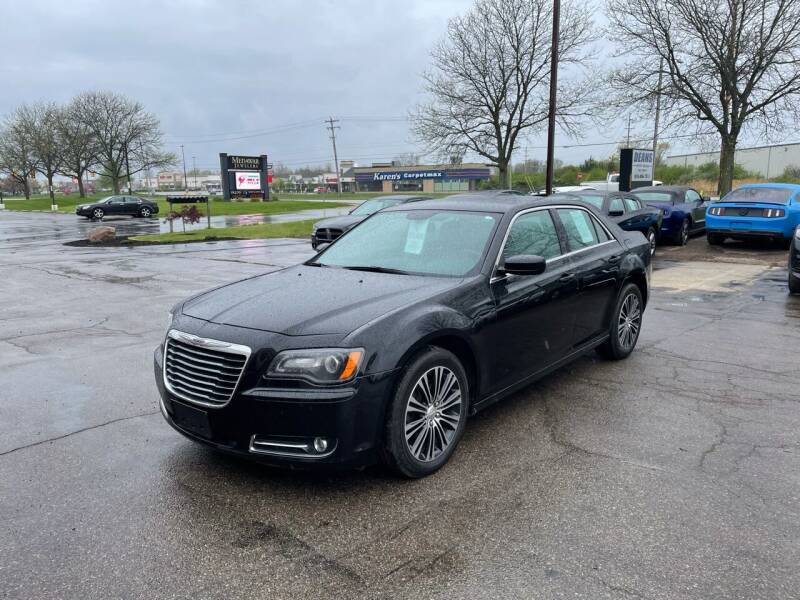 2013 Chrysler 300 for sale at Dean's Auto Sales in Flint MI