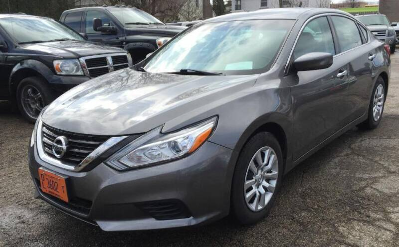 2016 Nissan Altima for sale at Knowlton Motors, Inc. in Freeport IL