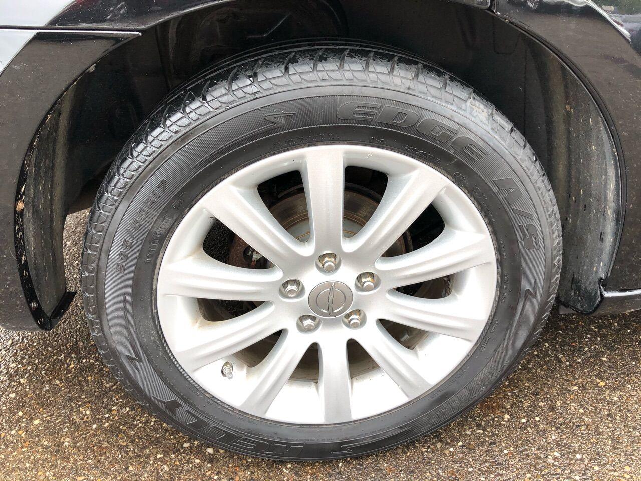 2014 Chrysler 200 4dr Car