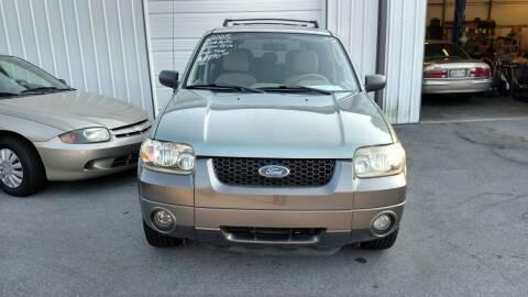 2005 Ford Escape for sale at DISCOUNT AUTO SALES in Johnson City TN