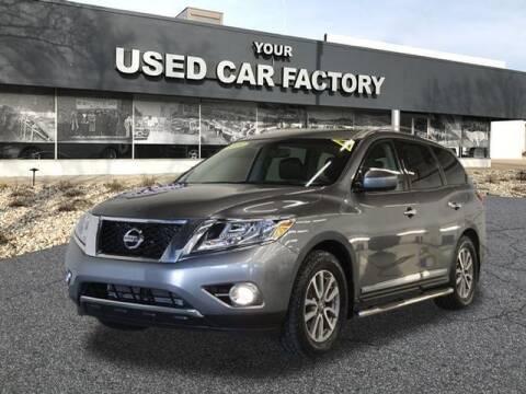 2015 Nissan Pathfinder for sale at JOELSCARZ.COM in Flushing MI