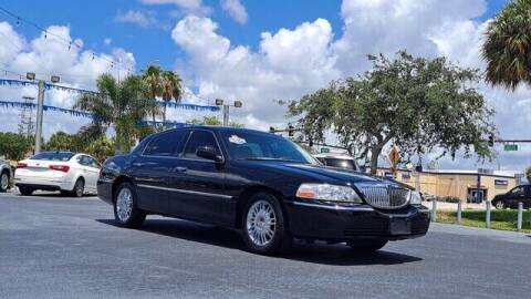 2008 Lincoln Town Car for sale at Select Autos Inc in Fort Pierce FL