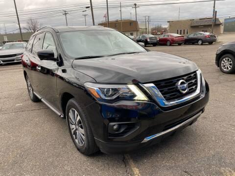 2019 Nissan Pathfinder for sale at M-97 Auto Dealer in Roseville MI
