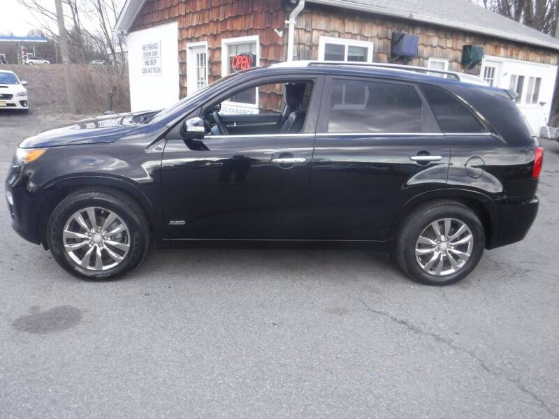 2011 Kia Sorento for sale at Trade Zone Auto Sales in Hampton NJ
