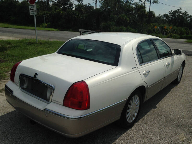 2003 Lincoln Town Car Signature 4dr Sedan - Port Orange FL