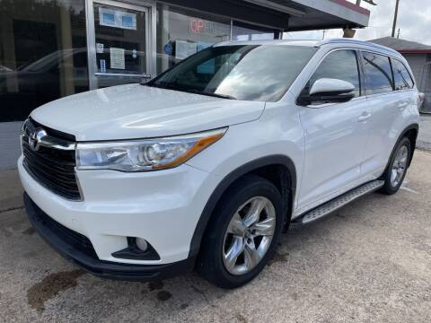 2016 Toyota Highlander for sale at Pary's Auto Sales in Garland TX