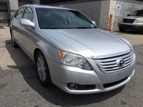 2008 Toyota Avalon for sale at Illinois Auto Sales in Paterson NJ