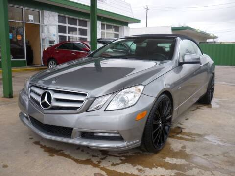 2012 Mercedes-Benz E-Class for sale at Auto Outlet Inc. in Houston TX