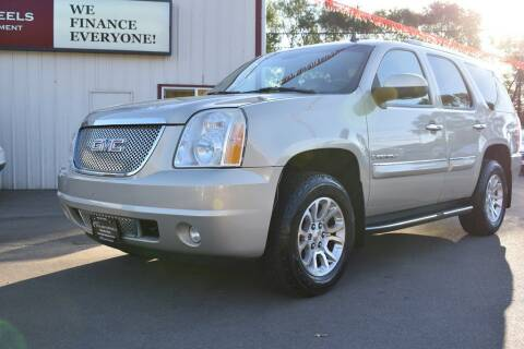 2007 GMC Yukon for sale at Dealswithwheels in Inver Grove Heights MN