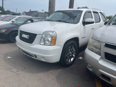 2010 GMC Yukon for sale at Ideal Cars in Hamilton OH