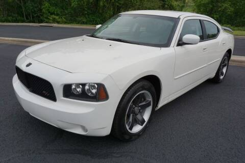 2010 Dodge Charger for sale at Modern Motors - Thomasville INC in Thomasville NC