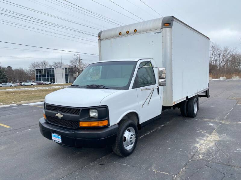 2004 Chevrolet Express Cutaway for sale at Siglers Auto Center in Skokie IL