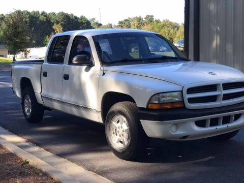 2001 Dodge Dakota for sale at Two Brothers Auto Sales in Loganville GA