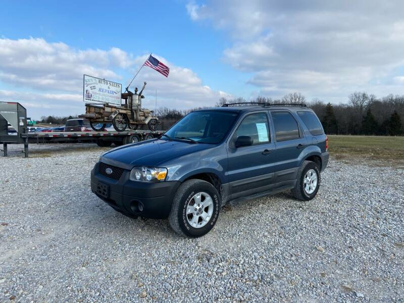 2005 Ford Escape for sale at Ken's Auto Sales & Repairs in New Bloomfield MO