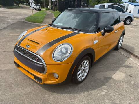 2014 MINI Hardtop for sale at Newsed Auto in Houston TX