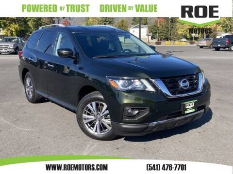 2020 Nissan Pathfinder for sale at Roe Motors in Grants Pass OR