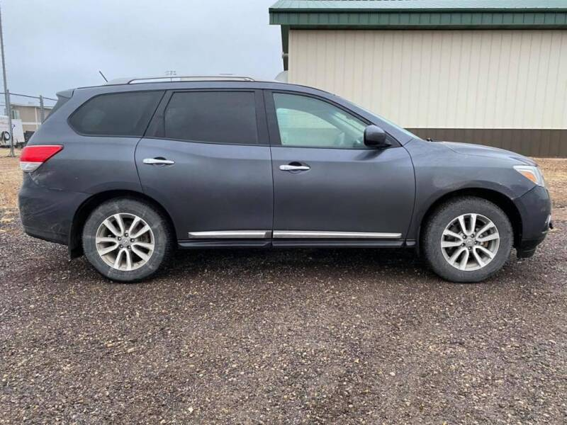 2014 Nissan Pathfinder for sale at Platinum Car Brokers in Spearfish SD