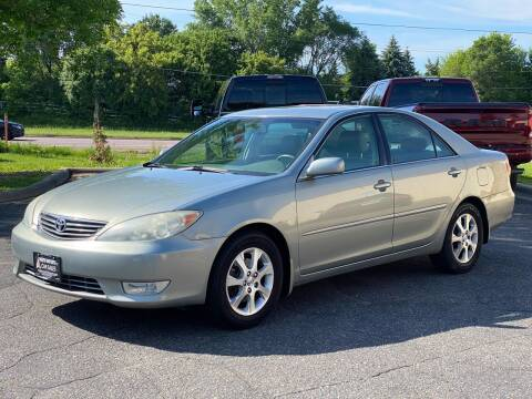 2005 Toyota Camry for sale at North Imports LLC in Burnsville MN